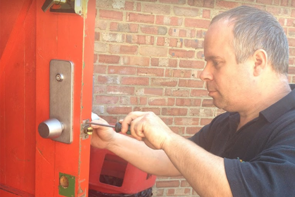 4 common reasons locksmiths are called out